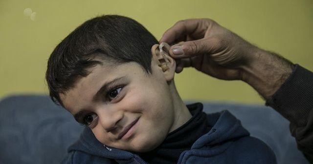 Suriyeli Taha işitme cihazına kavuştu