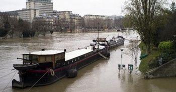 Fransa'daki kasırgada bilanço ağırlaşıyor