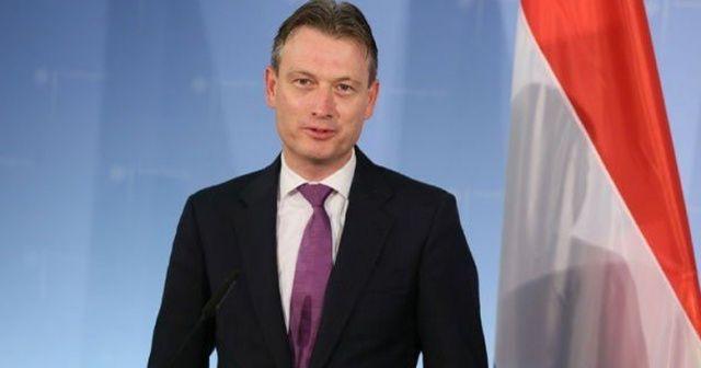 Hollanda Dışişleri Bakanı istifa etti