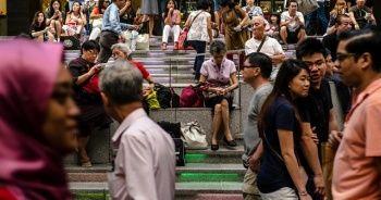 Singapur hükümeti halkına prim ödeyecek