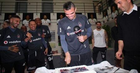 Beşiktaş'ta Pepe'ye doğum günü kutlaması