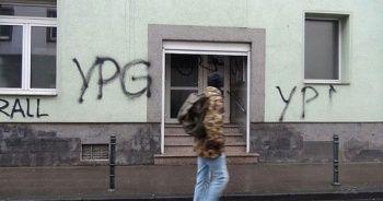 Almanya'da terör örgütü PYD/PKK yandaşları camiye saldırdı
