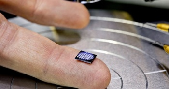 Sonunda bunu da ürettiler: Dünyanın en küçük teknolojik aleti