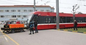 Türk mühendisler tramvaylar için 'uzaktan kumandalı çekici' üretti