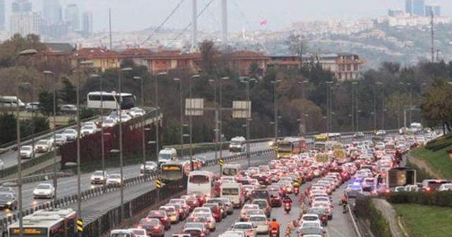15 Temmuz Şehitler Köprüsü Anadolu - Avrupa yönünde zincirleme kaza!