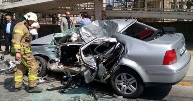 Düğün konvoyunda feci kaza:1 ölü 1 yaralı