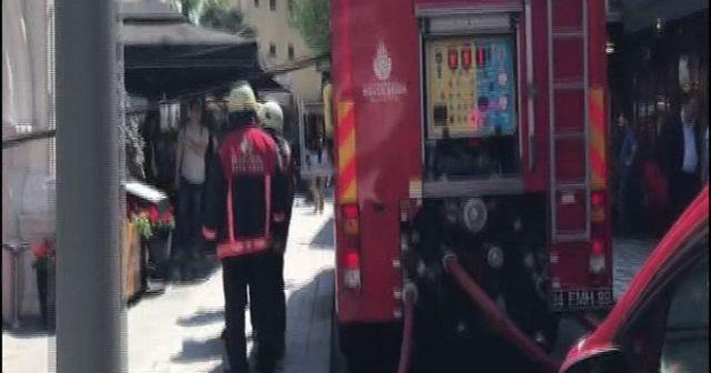 Sultanahmet'te bir otelde yangın çıktı