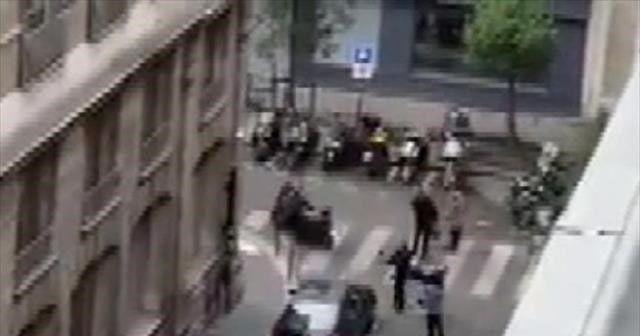 Fransa'da bıçaklı saldırı! 2 ölü 8 yaralı