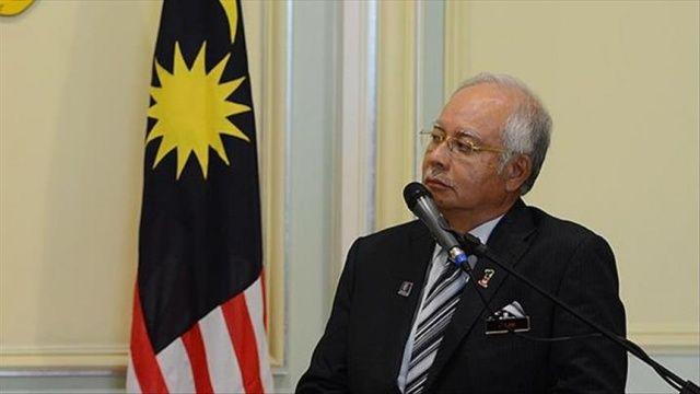 Malezya'da polis eski Başbakan Rezak'ın evini aradı
