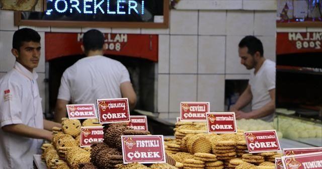 Ramazan çörekleri tezgahlardaki yerini aldı
