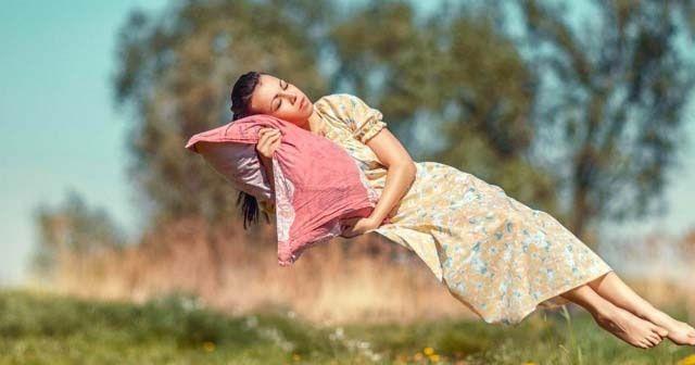 Uykuya dalarken düşme hissi yaşıyorsanız, işte anlamı!