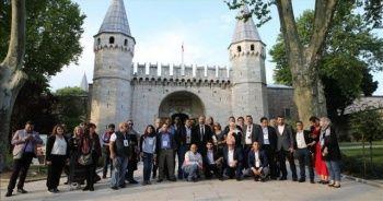 Arap gazeteciler Topkapı Sarayı'nı gezdi