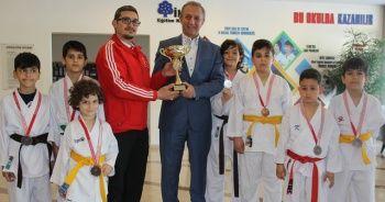 İhlas Koleji karatede madalyaları topladı