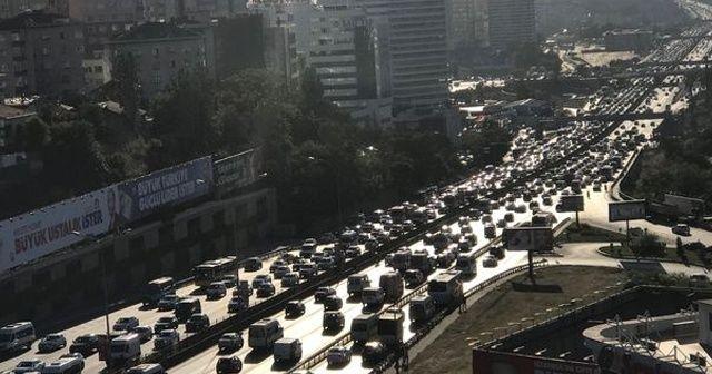 İstanbul'da bayram trafiği başladı!