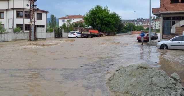 Kastamonu'da şiddetli yağış hayatı olumsuz etkiledi