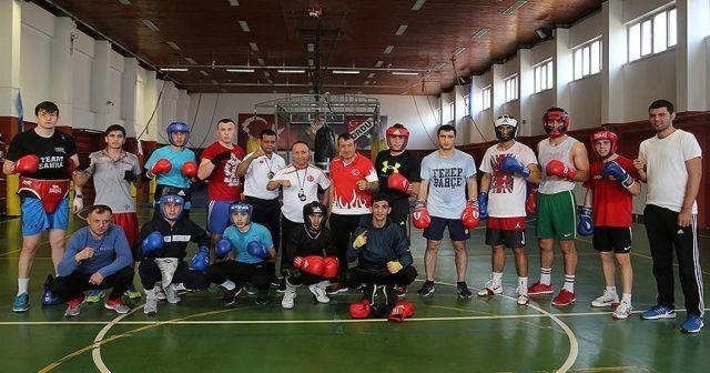 Milli boksörler İspanya'dan madalyalarla dönmeyi hedefliyor