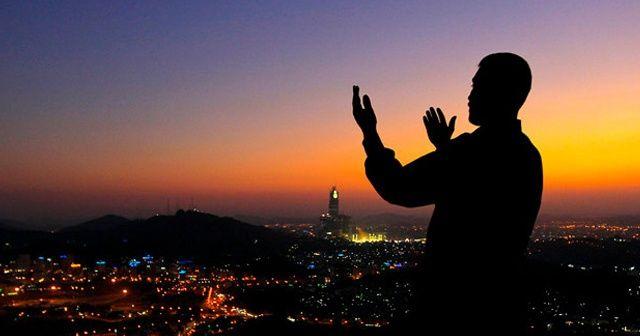 Tesbih namazı nasıl kılınır? Kazası olan da kılabilir mi? | Kadir Gecesi duaları