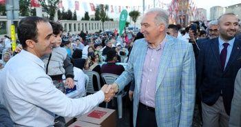 Başkan Mevlüt Uysal binlerle iftar sofrasında buluştu