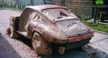 Pas içindeki Porsche'u yeniden tasarladı
