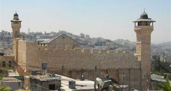Yahudi yerleşimcilerin İbrahim Camisi'ne baskın düzenlemesi