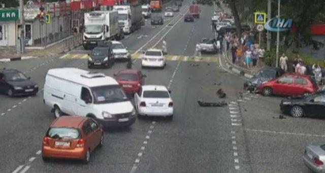 Rusya'da araç yayaların arasına daldı: 1 ölü, 5 yaralı