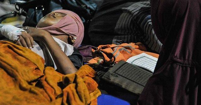 Depremin vurduğu Endonezya yardım bekliyor