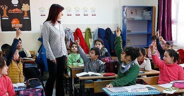 Sözleşmeli öğretmenlere sağlık özrüne bağlı yer değiştirme hakkı