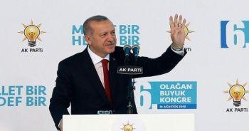 Cumhurbaşkanı Erdoğan 1380 oyla yeniden genel başkan oldu