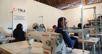 TİKA gönülleri Tanzanyalı yetim anneleri için dikiş atölyesi kurdu