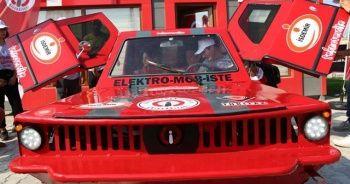 TÜBİTAK yarışması için dört çeker elektrikli otomobil ürettiler