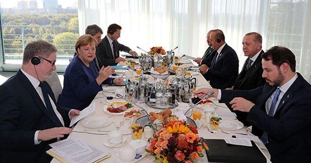 Erdoğan ile Merkel kahvaltıda bir araya geldi