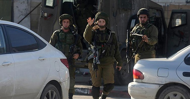 Filistinli 2 genç kıza Mescid-i Aksa çıkışında gözaltı