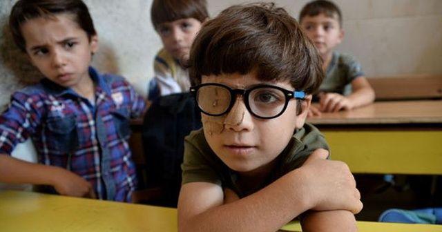 İdlib'de çocuklar savaşa inat okulda