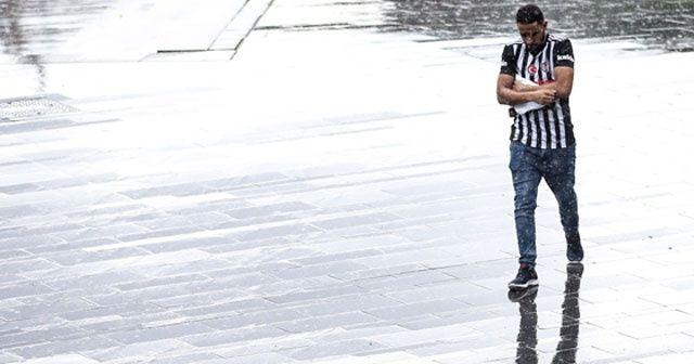 Yağış, kentin birçok ilçesinde etkili oldu
