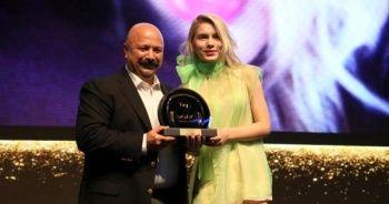 Aleyna Tilki'ye ödül yağdı