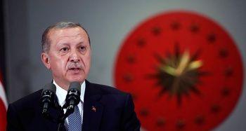 Cumhurbaşkanı Erdoğan şampiyon güreşçiyi kutladı