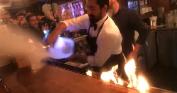 Nusret'in restoranında turistler şov esnasında yandı