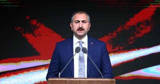 Adalet Bakanı Gül'den Danıştay'ın 'Öğrenci Andı' kararına tepki