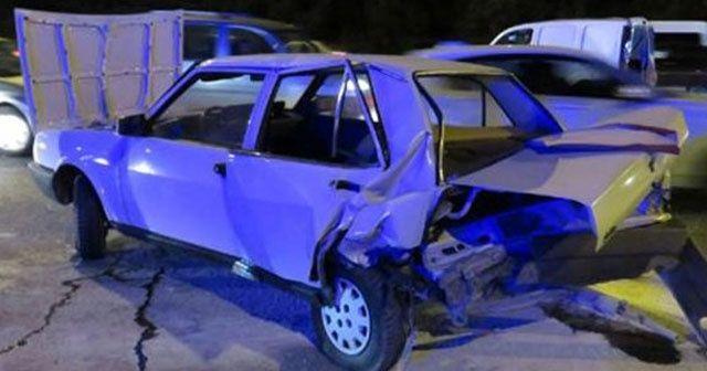 TEM'de feci kaza! 3 araç birbirine girdi