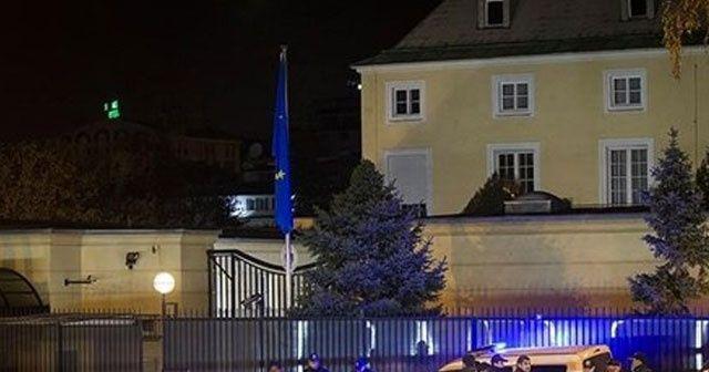Avusturya elçiliği önünde ateş açan 2 kişi gözaltında