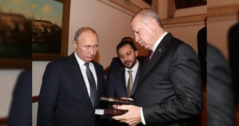 Cumhurbaşkanı Erdoğan'dan Putin'e hediye