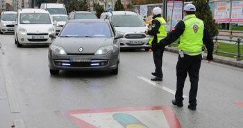 Dikkat! Yayalara yol vermeyen sürücülere 488 TL ceza uygulandı