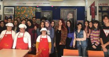 İhlas Koleji öğrencilerinden anlamlı ziyaret