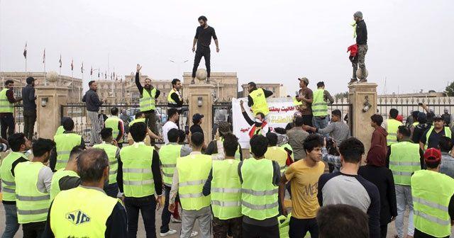 """Basra'daki """"sarı yelekliler"""" gösterisinde 1 kişi hayatını kaybetti"""