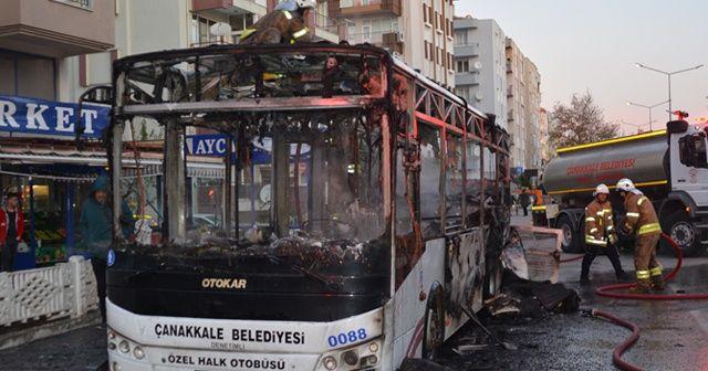 Çanakkale'de halk otobüsü yandı