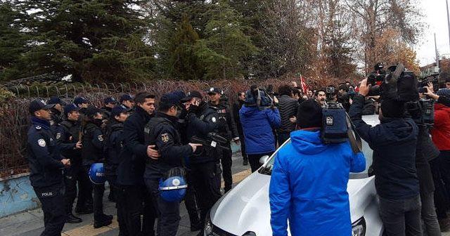 Dışişleri Bakanlığı önünde toplanan TGB'lilere müdahale