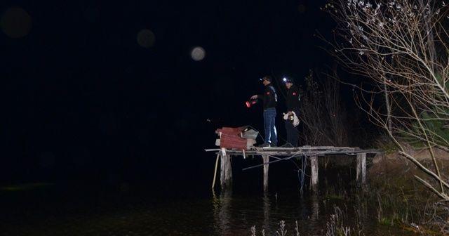 Göle attığı ağı kontrol ederken kayıktan düştü