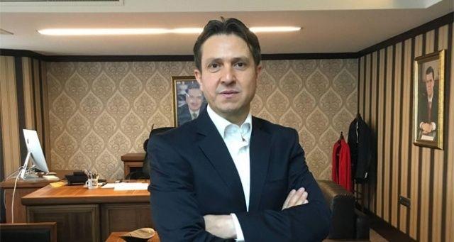 """İhlas Medya Ankara Temsilcisi Batuhan Yaşar'a """"Yılın Araştırmacı-Yazarı"""" ödülü"""