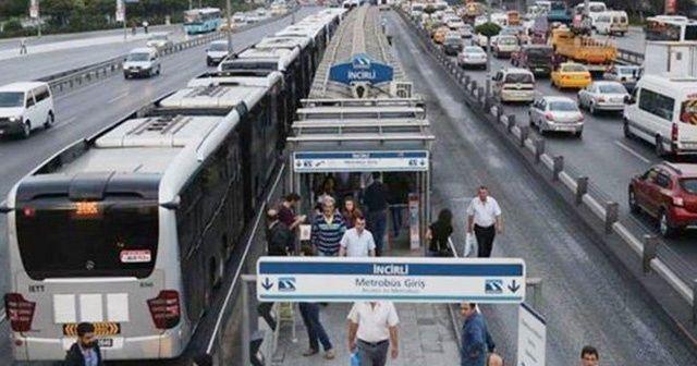 Metrobüs arızalandı! Uzun kuyruklar oluştu