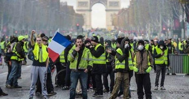 Paris Belediye Başkanından sarı yeleklilere destek: Hakları var